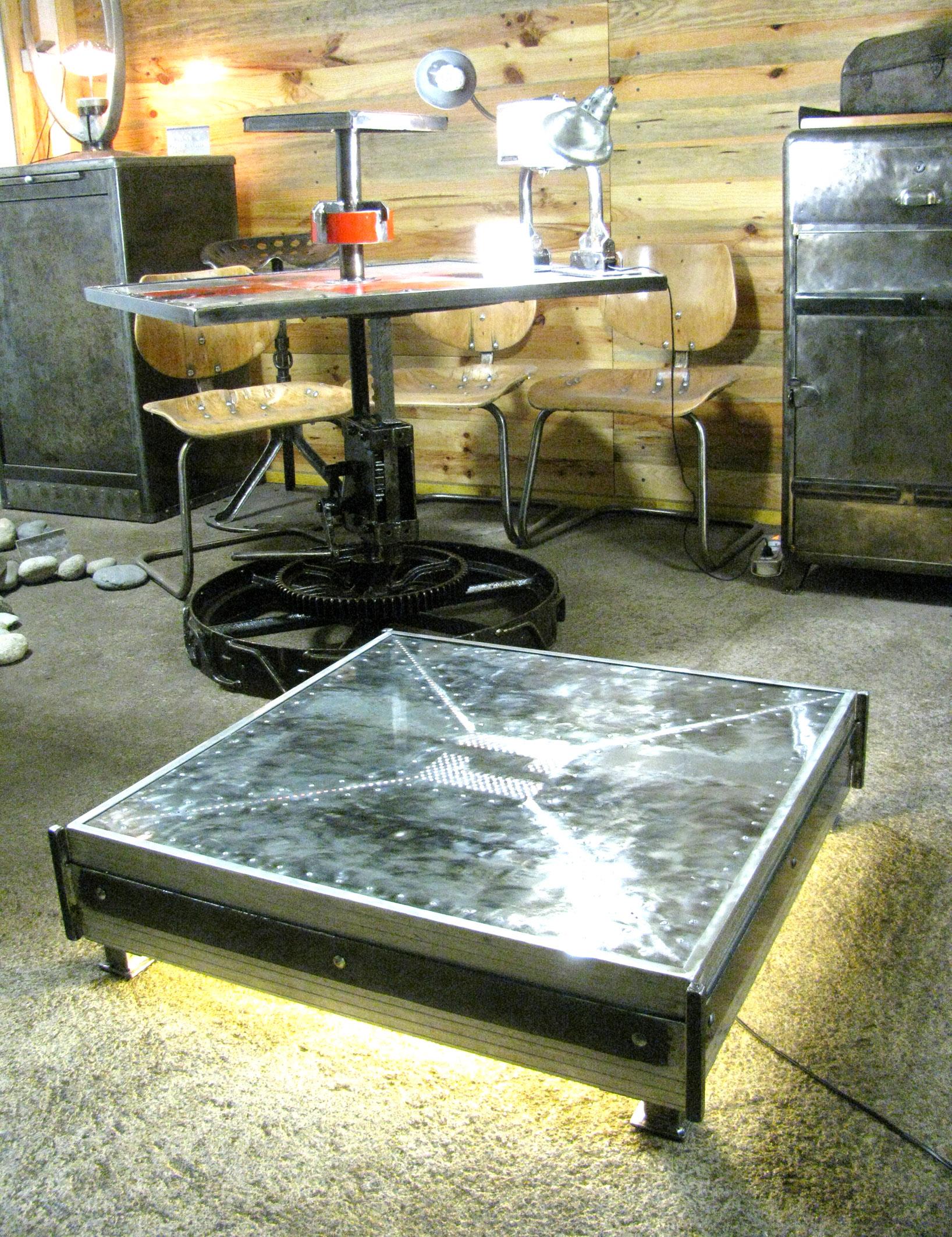 table basse lumineuse l 39 atelier palois. Black Bedroom Furniture Sets. Home Design Ideas